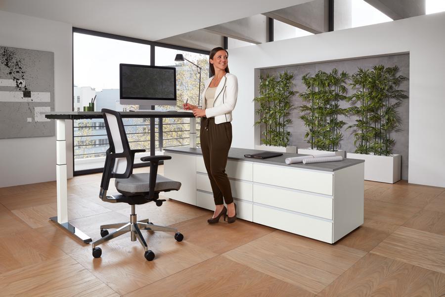 clear modulares Sideboard mit elektrischem Tisch